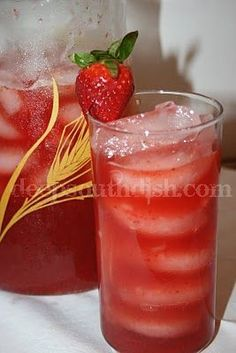 One recipe of my Southern Sweet Iced Tea, using 5 tea bags, steeped in 4 cups of hot water for 5 minutes) 1 cup of sugar or sugar substitute 2 cups of fresh whole strawberries, cleaned 1/4 cup fresh lemon juice (about 1-1/2 lemons) Ice cubes Extra strawberries, for garnish