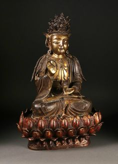Large Chinese Bronze Figure of Guanyin with Lotus Stand, Ming Dynasty