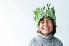Asparagus crown - lifestyle kids portrait