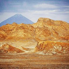 The #AtacamaDesert in #Chile is the driest desert in the world but one of the most spectacular places for out of this world looking #scenery. Our focus this week #SouthAmericaUnknown
