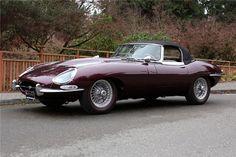 Jaguar XKE - via Barrett Jackson - pin by Alpine Concours Jaguar Type, Jaguar Xk, Jaguar Cars, Vintage Sports Cars, Vintage Cars, 4x4, Convertible, Classic Cars British, Car Trailer