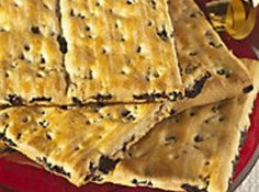 These biscuit/cookies were made by Sunshine Biscuit Company in Saginaw, Michigan and later by These are flat raisin-filled cookies-(cracker/biscuits). Cookie Recipes, Dessert Recipes, Desserts, Raisin Filled Cookies, Biscuit Cookies, Fruit Biscuits, Raisin Biscuits Recipe, Baking Biscuits, Anzac Biscuits