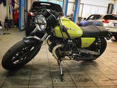 #motoguzzi #motorcycle #v65 #verdelegnano #vintagemotorcycle #caferacer #caferacersofinstagram #classicmotorcycle