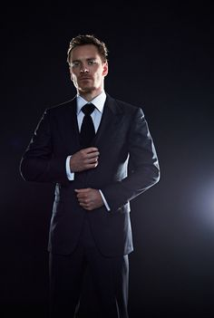 Come on girls! Hop on board and spread the word Michael Fassbender as the next James Bond!!! We need to make it happen