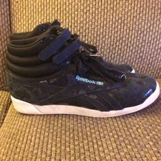 cef30bcd332 Black leopard Reebok high tops sz 8 VGUC- there is some wear on the soles