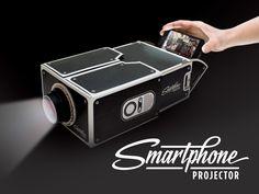 Geekiger Spaß: Verschenkt einen DIY-Projektor fürs Smartphone. Das wird ein Spaß auf der Weihnachtsfeier! #geekmas
