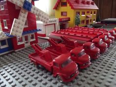 https://flic.kr/p/e4NEJY | Lego 650, 656 | Lego Mercedes Abschlepp-Lkw (Nr. 656) und Mercedes Esso-Tanklastwagen (Nr. 650)