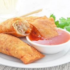Pork egg rolls with vegetables such as cabbage celery and carrots. (in French) Cooking Chinese Food, Asian Cooking, Appetizer Dishes, Appetizer Recipes, Vietnamese Fresh Spring Rolls, Vegetable Egg Rolls, Chinese Appetizers, Pork Egg Rolls, Chicken Spring Rolls