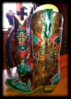 Swarovski Crystal Cowboy Boots. Not that into bling but its pretty cute!