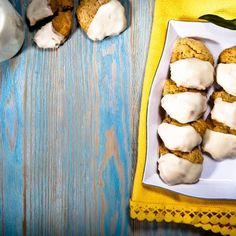 Κουλουράκια - Μπισκότα - Μύλοι Κρήτης - Βέρο Κρητικό Biscuit Cookies, Biscuits, Cheese, Desserts, Food, Crack Crackers, Tailgate Desserts, Cookies, Deserts