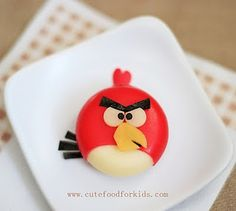 Cute Food For Kids?: Babybel Cheese Angry Bird and More! made from Babybel Cheese, Swiss Cheese, Cheddar and nori (use fruit leather or olive if you have trouble finding nori). It's not difficult to make, but it takes time to cut all the little parts. Cute Food, Good Food, Babybel Cheese, Cheese Snacks, Cheese Food, Cheese Wax, Cheese Bites, Cheese Party, Cheese Recipes