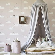 Gorgeous swan wallpaper from Hibou home to brighten up your child's bedroom, baby nursery or playroom
