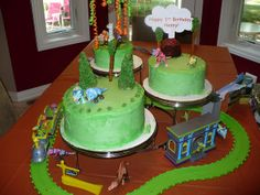 Aunt Lindsay outdid herself. The big bash at Grandma Liz's house. Trains Birthday Party, 4th Birthday, Birthday Cake, Birthday Parties, Birthday Stuff, Birthday Ideas, Dinosaur Train Cakes, Dinosaur Party, Crazy Cakes