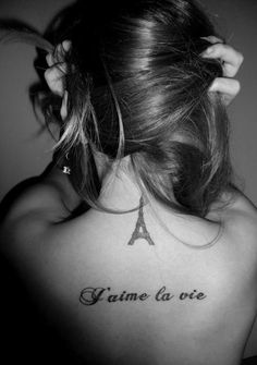 would love to have this on me this summer! :) (henna) Paris. I love life....