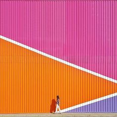 Bright colours in a city. Minimal Photography, Photography Blogs, Iphone Photography, Urban Photography, Color Photography, Instagram Wall, Murals Street Art, Madrid, Grafik Design