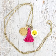 EMOJI-NAL NECKLACE- HAPPY SMILEY