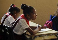 por Clive Kronenberg, de la Universidad Técnica de la Península del Cabo Cuba se toma muy en serio el tema de la educación. Se convirtió en una prioridad después de que Fidel Castro se alzara como…