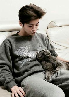 Read Luhan from the story Indomptable [EXO - Lay] by poulpex (Poulpe The Survivor) with reads. Luhan Exo, Sehun Oh, Exo Ot12, Kpop Exo, Exo K, Park Chanyeol, Exo Memes, Wattpad, K Pop