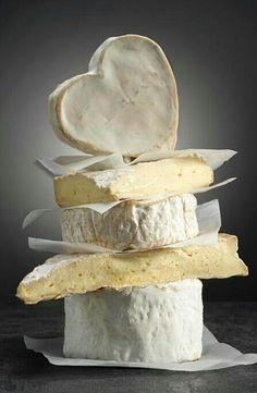 Photo. Un vrai français aime le fromage !!! <3