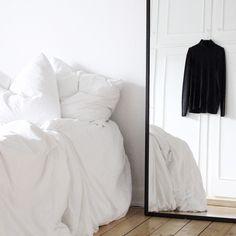 wandfarbe beton wie kann man eine betonwand streichen mass luxe simple interiors pinterest. Black Bedroom Furniture Sets. Home Design Ideas