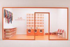 Hermès : des mini-laveries pour raviver les carrés de soie - Actualité…