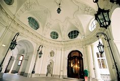 Palais Kinsky entrance, Vienna Entrance, Mansions, House Styles, Vienna, Places, Woman, Home Decor, Entryway, Lugares