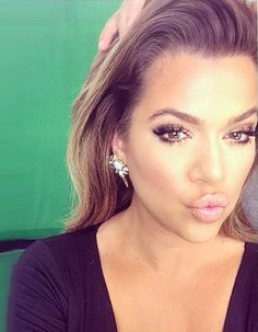 Khloe Kardashian, Love make up looks like this, perfect for a bride to be on her wedding day! How to apply makeup correctly, info here: http://crazymakeupideas.com/12-nail-art-ideas-for-your-toes/