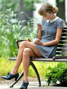 Taylor Swift is preppy chic as she shops for gourmet groceries Estilo Taylor Swift, All About Taylor Swift, Taylor Swift Outfits, Taylor Swift Style, Taylor Alison Swift, Retro Mode, Mode Vintage, Tartan, Plaid