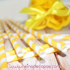 Pajitas de papel amarillas y blancas. Para decorar y adornar tus fiestas mas bonitas. http://www.reinadecopas.com/es/reinadecopas/279-pajitas-de-papel-a-rayas-30-uds.html