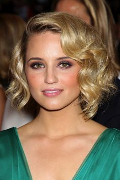 15 Cute ChinLength Hairstyles for Short Hair  Bobs Wavy bobs
