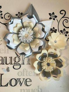 bonita combinación Crepe Paper Flowers Tutorial, Paper Flowers Craft, Large Paper Flowers, Paper Flower Wall, Paper Flower Backdrop, Paper Roses, Flower Crafts, Diy Flowers, Fabric Flowers