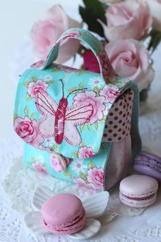 Chic Butterfly Mugbag. - Red Brolly