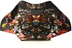 Alexander Mcqueen Mantaray clutch on bagservant.co.uk #clutch