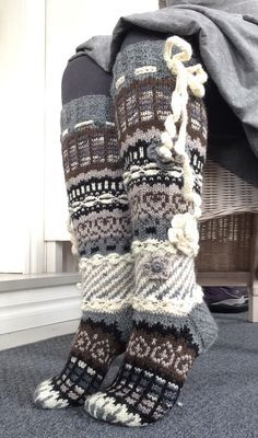 Anelmaiset Crochet Socks, Knitting Socks, Hand Knitting, Knit Crochet, Fashion Cover, Fair Isle Knitting, Wool Socks, Sweater Weather, Leg Warmers