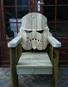 Star Wars Stormtrooper Deck Chair From the side, it looks like a plain old deck chair. From the front, it looks like awesome. The folks at GotWood Workshop are responsible for your daily dose of Star Wars geekery. Stormtroopers, Geek Home Decor, Man Cave Accessories, Lawn Chairs, Pallet Chairs, Home And Deco, Wood Projects, Geek Stuff, Diy Stuff