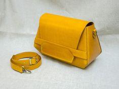 Michael Kors Rhea Backpack, Leather Art, Hip Bag, Goodie Bags, Fulton, Handbag Accessories, Bag Making, Pouch, Purses