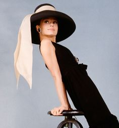 Audrey Hepburn shines in Givency's classic ensemble designed for Breakfast at Tiffany's, 1961.
