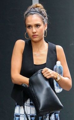 Jessica Alba Photos: Jessica Alba Hangs with Friends