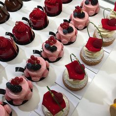 #cake #pink #mirrorcake #macaroon #glitter #minimal #recipe #aesthetic