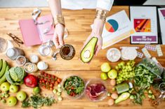 Dietitian holding avocado and olive oillow carb recipes carb meals# low carb snacks carb deserts carb deserts carb dinner carb breakfast carb carb chicken recipes diets fitness to lose weight lose weight Low Carb Chicken Recipes, Low Carb Recipes, Dieta Atkins, Comida Keto, Low Carb Deserts, Low Fat Diets, Low Carb Breakfast, Eating Plans, Food And Drink