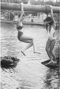 vintage summer fun - love the swimsuits! Summer Breeze, Summer Heat, Summer Days, Summer Fun, Summer Time, Retro Summer, Fun Time, Summer Months, Fringe Swimsuit
