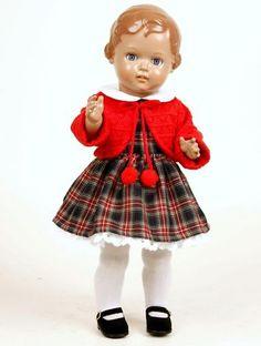 magnifique poupée schildkrot. I remember my moms!