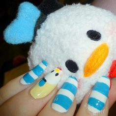A girl and her chicken named Betty: Tsum Tsum Donald Nails