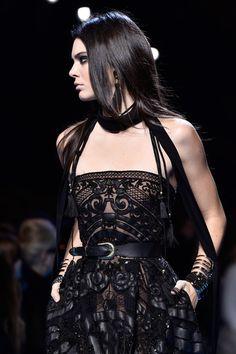 Kendall Jenner Closes the Elie Saab Fashion Show in Paris: Photo Kendall Jenner looks super fierce while making her way down the runway for Elie Saab's Paris Fashion Week show on Saturday (March in Paris, France. Style Haute Couture, Couture Fashion, Runway Fashion, High Fashion, Fashion Beauty, Fashion Show, Womens Fashion, Fashion Design, Fashion Trends