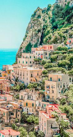 Italy Honeymoon Destinations: 7 Romantic Getaways in Italy - Avenly Lane Travel Italy Honeymoon, Honeymoon Destinations, Italy Destinations, Italy Vacation, Holiday Destinations, Honeymoon Packing, Honeymoon Getaways, Honeymoon Night, Disney Honeymoon