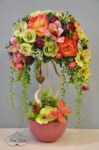 Handmade Flowers, Diy Flowers, Paper Flowers, Creative Flower Arrangements, Orchid Arrangements, Flower Crafts, Flower Art, Topiary Centerpieces, Tropical Flowers