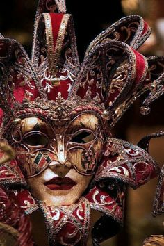 Venice Carnival Costumes, Venetian Carnival Masks, Mardi Gras Carnival, Carnival Of Venice, Venetian Costumes, Venetian Masquerade, Costume Venitien, Venice Mask, Beautiful Mask