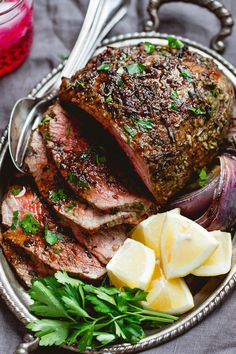 Garlic Butter Herb Roast Beef – Tender and juicy, your guests will go crazy for this garlic butter herb roast sirloin! Garlic Butter Herb Roast Beef – Tender and juicy, your guests will go crazy for this garlic butter herb roast sirloin! Holiday Recipes, Dinner Recipes, Roast Beef Recipes, Roast Beef Keto, Roast Beef Marinade, Beef Brine Recipe, Instapot Roast Beef, Roast Beef Dishes, Beef Sirloin Tip Roast