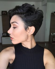 Who says short hair isn't sexy? Get some products to glamourize your cropped 'd. 2015 Hairstyles, Undercut Hairstyles, Pixie Hairstyles, Pixie Haircut, Cool Hairstyles, Daniel Golz, Curly Hair Styles, Natural Hair Styles, Short Hair Cuts