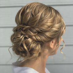 These wedding hairstyles updo look gorgeous. - New Site - These wedding hairstyles updo look gorgeous. – New Site These wedding hairstyles updo look gorgeous. – New Site Messy Wedding Hair, Bridal Hair Updo, Elegant Wedding Hair, Wedding Hairstyles For Long Hair, Wedding Hair And Makeup, Bride Hairstyles, Gorgeous Hairstyles, Bridesmaid Hairstyles, Formal Hairstyles